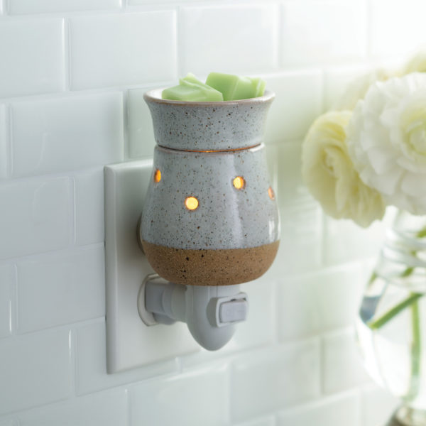 Rustic White Pluggable Wax & Essential Oil Warmer + Free Wax Melt